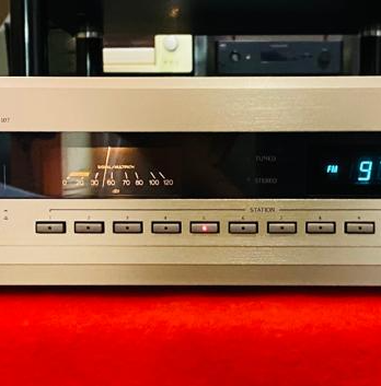 Accuphase T-107 - Top tuner - ECHO Audio